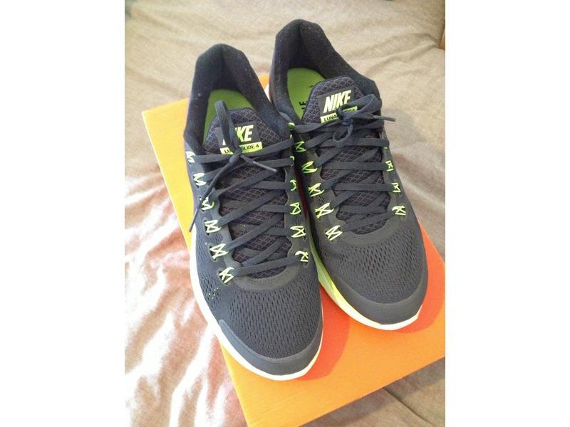 Adidas Running Boots - 1/2